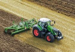 Fendt 800 Series tractor in a field pulling a disk.